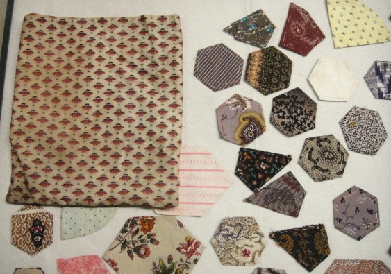 Patterned cloth bag with patchwork pieces